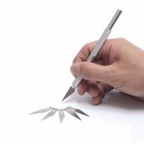 Монтажный нож с 5 сменными лезвиями